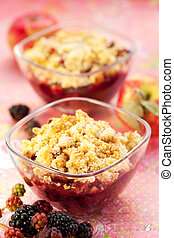 Apple and blackberry crumble - Delicious apple and...