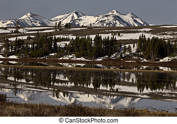 Yellowstone National Park Mountain Reflection sunrise sunset