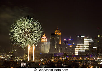 Cincinnati 4th - Fourth of July fireworks in downtown...