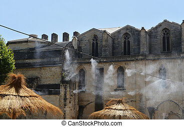 air humidification on arket during high noon in Carpentras,...