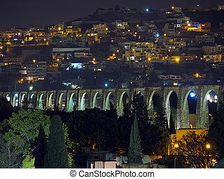 Queretaro Aqueduct - The Los Arcos (aqueduct) and hillside...
