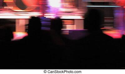 Rock Concert, Shaky 1