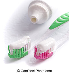 substrtoothpaste and toothbrushes,0,200 - substrtoothpaste...