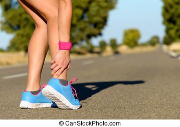 Executando, desporto, tornozelo, torcedura, ferimento