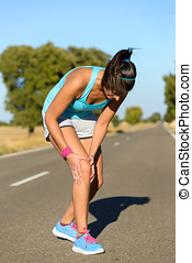 Running knee injury and pain - Running sport knee injury...