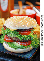 Hamburger - hamburgher wit salade, cheese and tomato