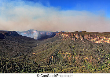 Bushfire in Grose Valley Australia - Bushfire in the Grose...