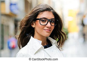 bello, donna, occhio, occhiali, sorridente, urbano, fondo