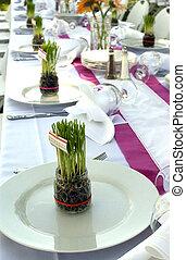 banquete, tabla, con, pasto o césped, centros de...