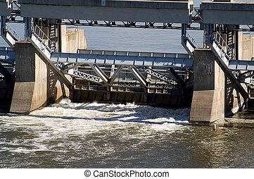 Floodgate - Lock and dam at the Illinois River; Starved Rock...