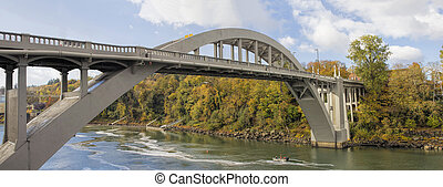 Oregon City Arch Bridge Over Willamette River in Fall -...