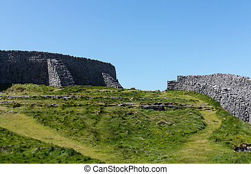 Stone wall at Dun Aonghasa Aran Islands - Dun Aonghasa or...