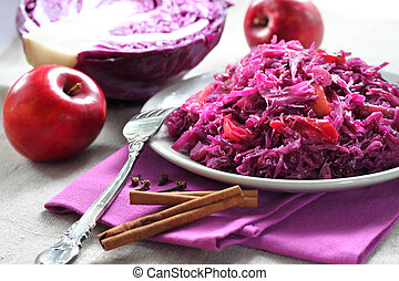 Spicy red cabbage stewed with apples