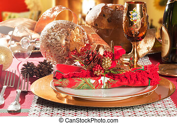 Decorated Christmas Dinner Table Setting - Decorated...