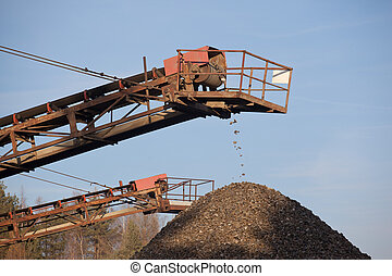Conveyor belt in the gravel pit