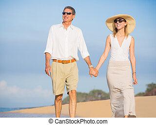 glücklich, Älter, Paar, sandstrand, Pensionierung,...