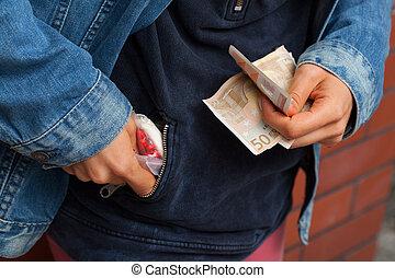 droga, Comerciante, paliza, píldoras, el suyo,...