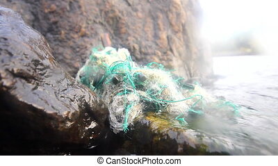 thrown sea net - the spoiled sea net is cast ashore