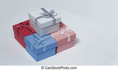 five present boxes rotating loop