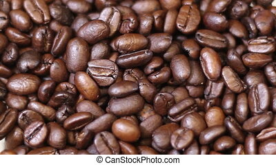 Coffee Normal Speed Grind, coffee beans rattle and shake...