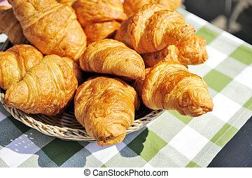 croissant - basket with croissant