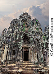 The amazing architecture of ancient Bayon Temple in Cambodia