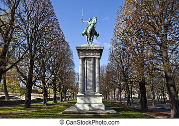 Lafayette Statue in Paris - Statue of General Marquis de...
