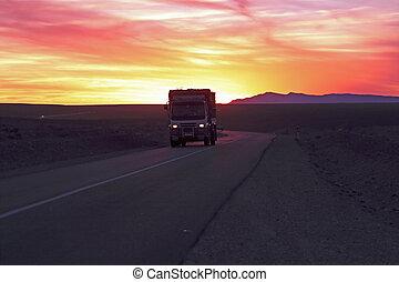 Conduite, par, sahara, désert, Maroc, Coucher soleil