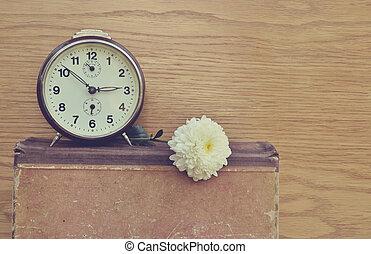 花, 古い, 時計, 型, 本, 白