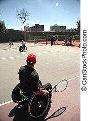 hombre en silla de ruedas - deportista en silla de ruedas