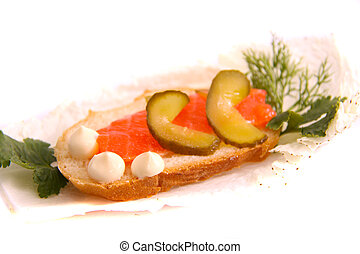 sandwich with salmon and cucmber