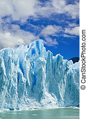 Moreno glacier, patagonia Argentina. - Great ice walls of...