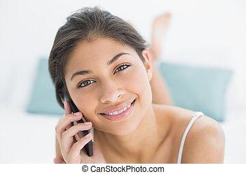 Beweglich, Telefon, Lächeln, frau, gebrauchend