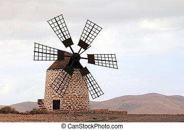 Puesta del sol de Tefia windmill in Fuerteventura Island...