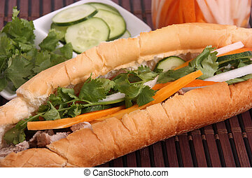 banh mi - vietnamese sandwich