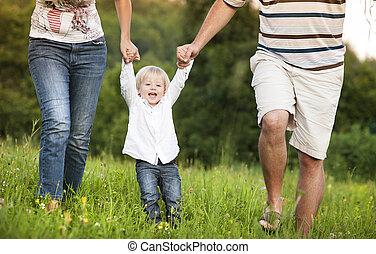 Feliz, família