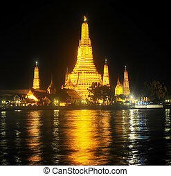 Wat Arun Temple, Bangkok - Night view of Wat Arun Temple,...