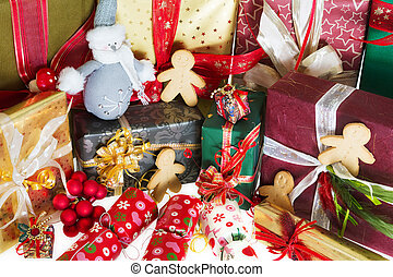 Gingerbread men and christmas gifts