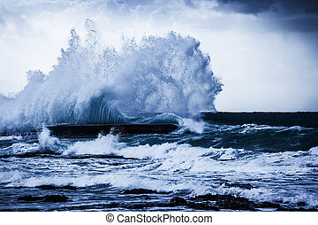 Stormy ocean waves, beautiful seascape, big powerful tide in...