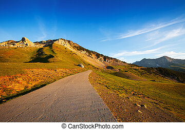Road in mountain pass - Road in Chia mountain pass Pyrenees,...