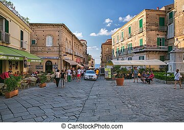 Tropea - Life on the streets of the beautiful city of Tropea...