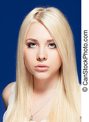 young woman close up studio portrait - Attractive young...