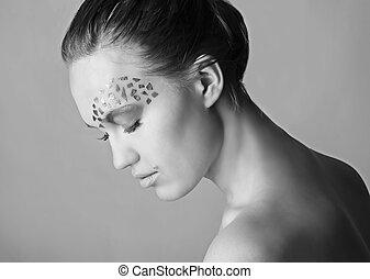 beautiful girl face art - face art on face of the beautiful...