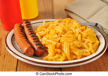 Grilled hot dogs with mac and cheese - Grilled hot dogs with...