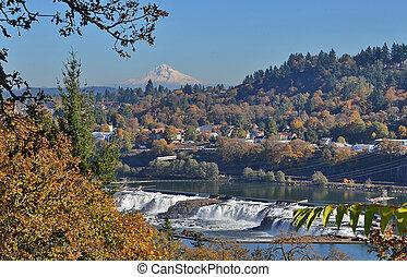 Scenic Oregon - Mr Hood and Willamette Falls