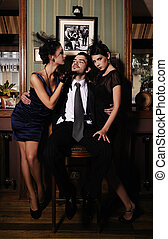 Gangsters who share the money, - A guy and two beautiful...