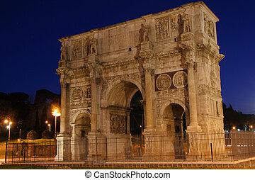 Arco di Trionfo di Constantino - Night shot of the Arc of...