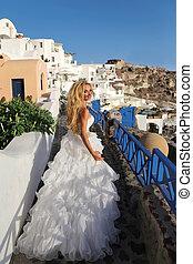 Runaway bride in a wedding dress i - Beautiful blond runaway...