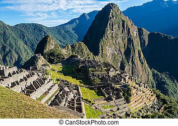 Machu Picchu ruins peruvian Andes Cuzco Peru - Machu Picchu,...