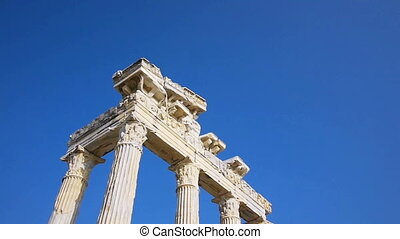 Tourists sighseeing the Temple of Apollo ruins in Side -...